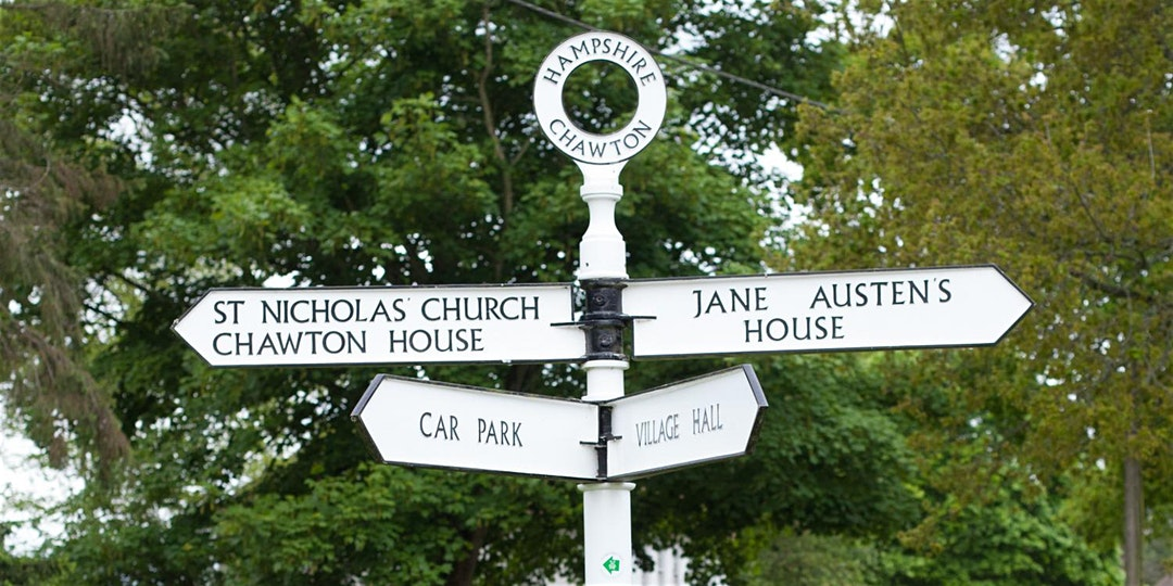 The village signpost in Chawton pointing towards Jane Austen's House