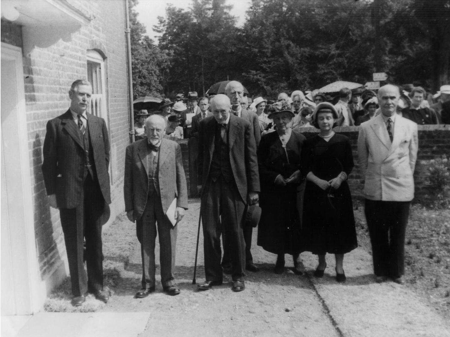 1949-Museum-Grand-Opening.-L-to-R-7th-Duke-of-Wellington-T-E-Carpenter-R-W-Chapman-Dorothy-Darnell-Elizabeth-Jenkins-Richard-Arthur-Austen-Leigh