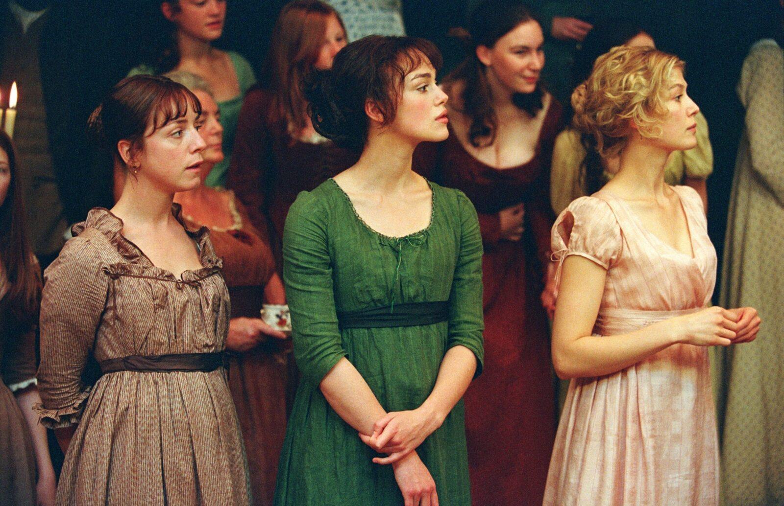 Jena Malone, Keira Knightley and Rosamond Pike in Pride & Prejudice (StudioCanal, 2005)